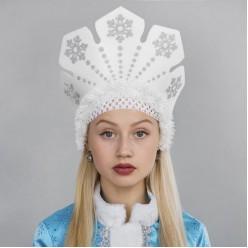 """Кокошник на резинке """"Вьюга"""" серебряные снежинки (поролон)"""