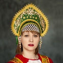 """Кокошник """"Галина"""" зелёный с золотом"""
