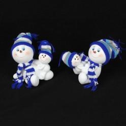 Фигурка Снеговик с малышом в шапке (полистоун) 12,5*15*9см